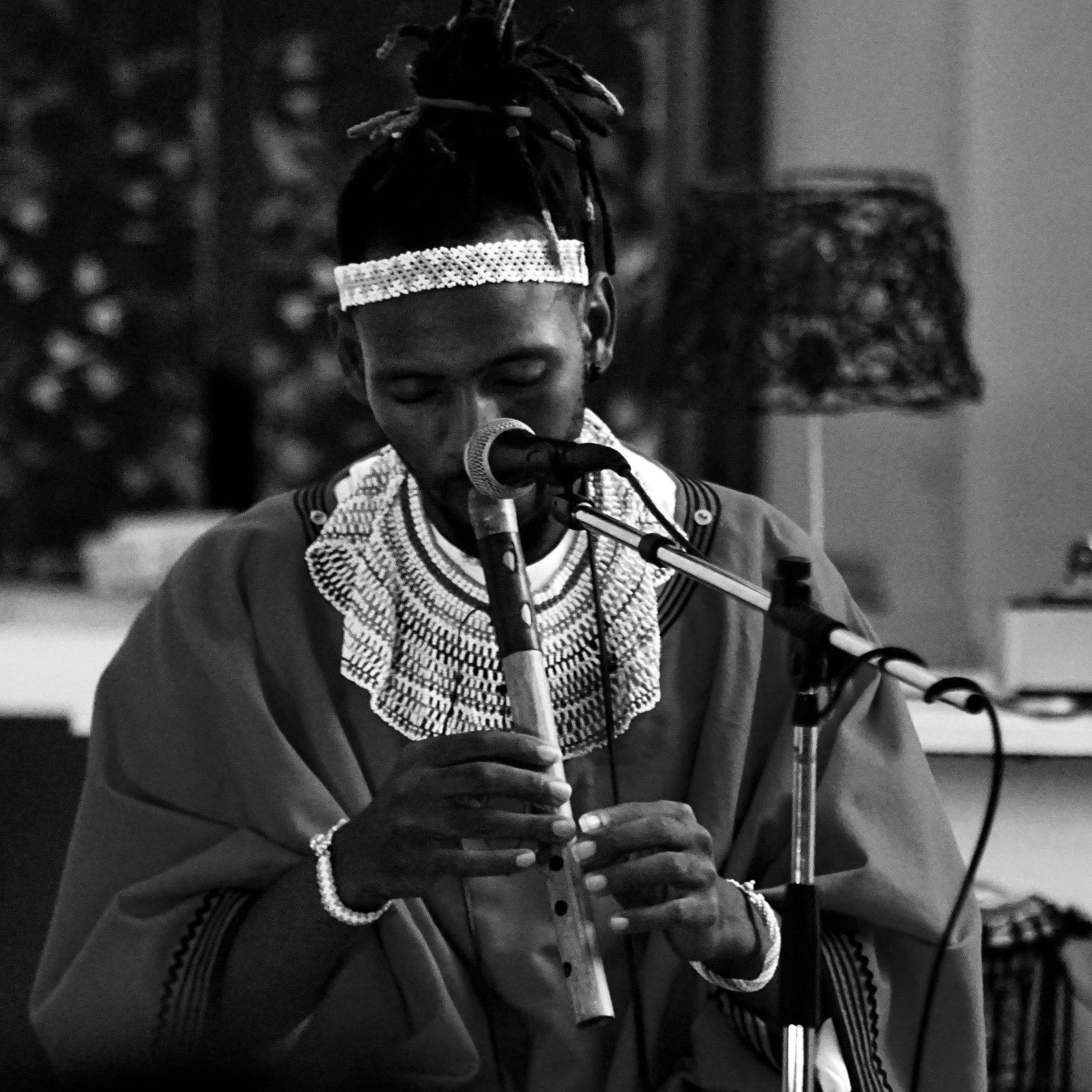 Workshop: Khanyisile Mbongwa & Mntana. Wexhwele